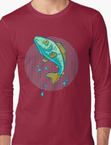 fish jumping out of water Long Sleeve T-Shirt
