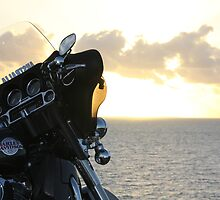 Harley Davidson Ultra Glide by the sea. by jackoslife