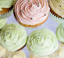 Cup Cakes by Louisa Jones