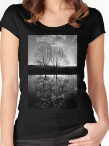Two Trees Women's Fitted Scoop T-Shirt