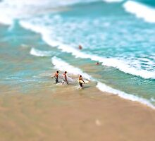 Surfing in Small Big Ocean by primovista