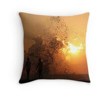 Sunset Through the Splash (Havana) Throw Pillow