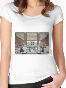 White City Tube Station Women's Fitted Scoop T-Shirt