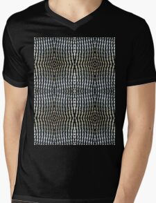 Can tabs / pull-rings woven together - 2 Mens V-Neck T-Shirt