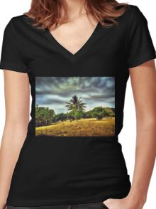 HDR Women's Fitted V-Neck T-Shirt