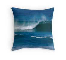 Perfect Wave - Robe Throw Pillow