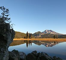 Sparks Lake and South Sister Mountain by usafan