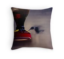 Hum-blur Throw Pillow