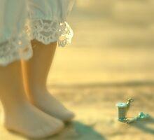 Alice & The Thread by Tia Allor-Bailey