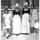 Volendam - traditional dress by Gilberte
