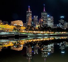 Still-Yarra River,Melbourne by Max R Daely