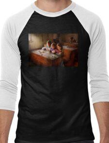 Teacher - Classroom - Education can be fun  Men's Baseball ¾ T-Shirt
