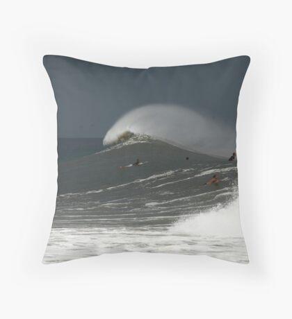 Mound-o-water Throw Pillow