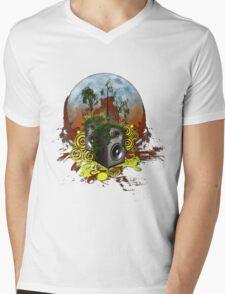 speaker moon Mens V-Neck T-Shirt
