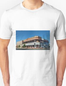 Francis Hotel, Maryborough, Qld Australia Unisex T-Shirt