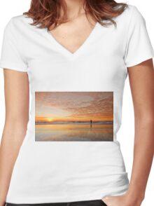"""Catching"" the Sunrise -Main Beach Qld Australia Women's Fitted V-Neck T-Shirt"