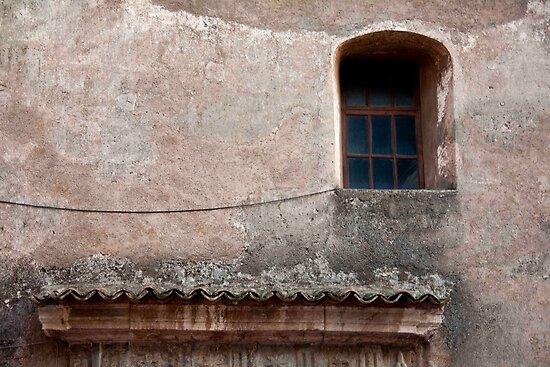 Vecchio Finestra by phil decocco