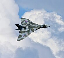 Avro Vulcan XH558 bank by PhilEAF92