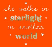 She walks in starlight in another world Kids Clothes