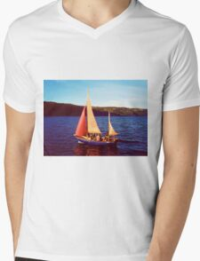 Red Sails In Broad Daylight ~ Loch Ness Mens V-Neck T-Shirt