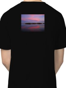 Pink sky after sunset Classic T-Shirt