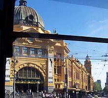 Rush Hour, Flinders Street, Melbourne. by carmel riordan