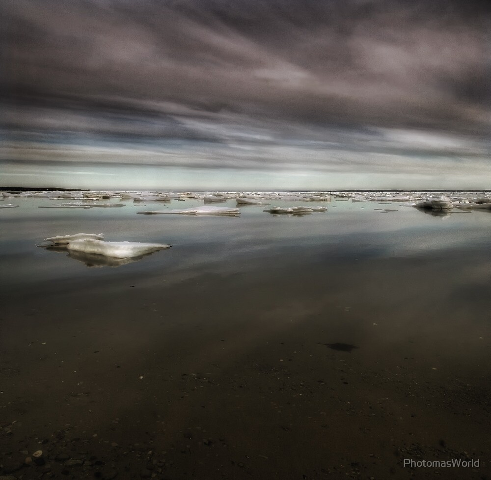 Ocean's Tides by PhotomasWorld
