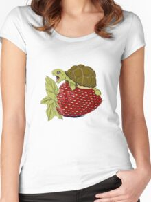 Turtle berry Women's Fitted Scoop T-Shirt