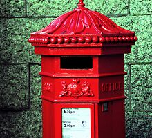 Post Box by DonDavisUK