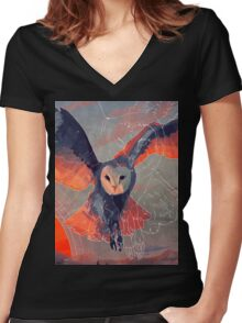 Owl Hunt Women's Fitted V-Neck T-Shirt