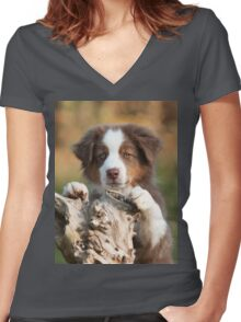 Curious Aussie Puppy Women's Fitted V-Neck T-Shirt