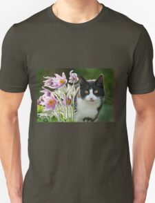 Cat looking through pasque flowers Unisex T-Shirt
