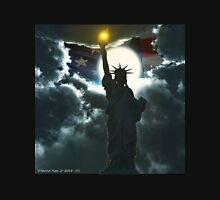 Statue of Liberty with American Flag Unisex T-Shirt