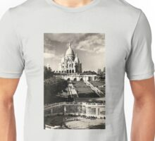 Vintage Sacré-Coeur de Montmartre in Paris Photo Unisex T-Shirt