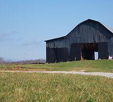 Tabacco Barn by Rob Dodd