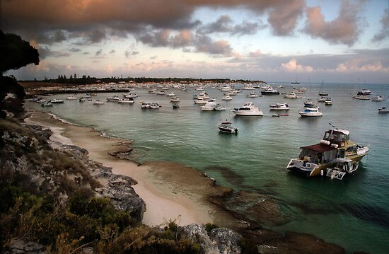 Packed Bay - Rottnest island, Western Australia. by Heather Linfoot