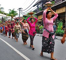 Balinese cremation ceremony by Adri  Padmos