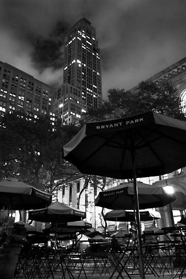 Bryant Park at night by Nacho Garcés