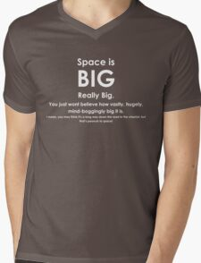 Space is BIG - Hitchhikers Guide to the Galaxy - dark background Mens V-Neck T-Shirt