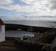 Crail harbour by Jamawa