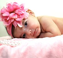 Baby in Pink by ZeeZeeshots