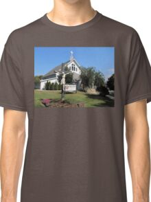 Statue In Front Of Resurrection Lutheran Church Classic T-Shirt
