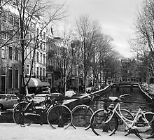 Snowy Amsterdam by ngautsche