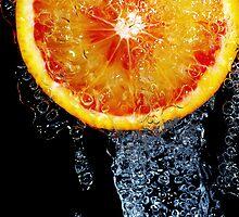 Orange sous la douche by Thomas Petaut