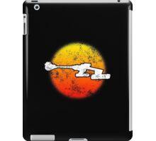 Star Empire Battle Cruiser D7 Flyby - Dark iPad Case/Skin