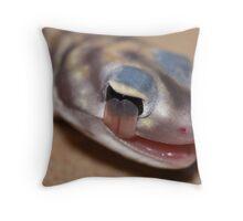 Starred Knob-tailed Gecko Throw Pillow