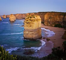 Early morning at the 12 Apostles by Roger Neal