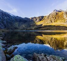 Lake Idwal by Ian Mitchell