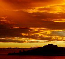 Tuamotu sunset by donnz