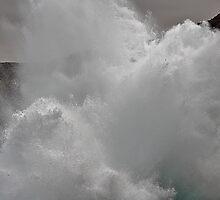 Splash by dgbimages